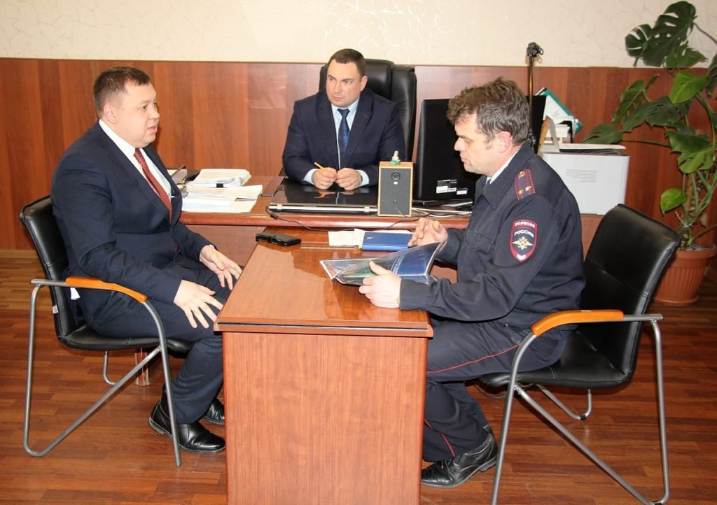 Рабочая встреча по взаимодействию  в сфере охраны  общественного порядка  на объектах  железнодорожного транспорта  Свердловской области